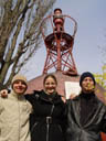 clemens, lisa and stefan in front of a giant buoy. 2004-04-13, Sony Cybershot DSC-F717. keywords: clemens, lisa, stefan, buoy