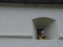komische asiaten-figur, die nicht näher erklärt wurde || foto details: 2005-09-17, riegersburg / austria, Sony Cybershot DSC-F717.