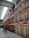 zellentrakt auf alcatraz || foto details: 2006-01-26, san francisco, ca, usa, Sony DSC-F717. keywords: the rock, alcatraz island, cell house, cellhouse