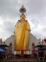 giant standing buddha, wat intharawihan. 2008-09-09, Sony F828. keywords: wat inthrawihan, wat intharavihan, wat rai phrik