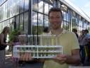 benedikt serves sweet drinks with chlorella algae