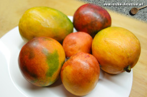 Leckere Mangos verschiedener Sorten aus Sri Lanka (Foto: Markus Nolf / Vom Essen Besessen)